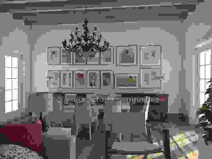 Reforma de cochera. Salones de estilo ecléctico de MUMARQ ARQUITECTURA E INTERIORISMO Ecléctico