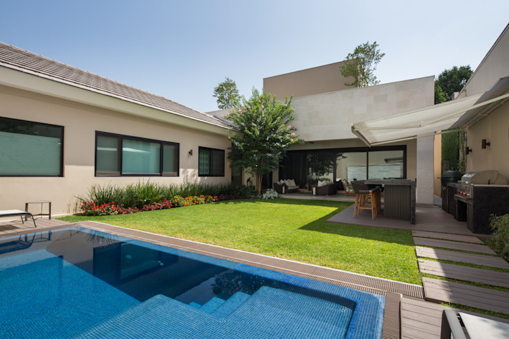 Pool by Rousseau Arquitectos, Modern