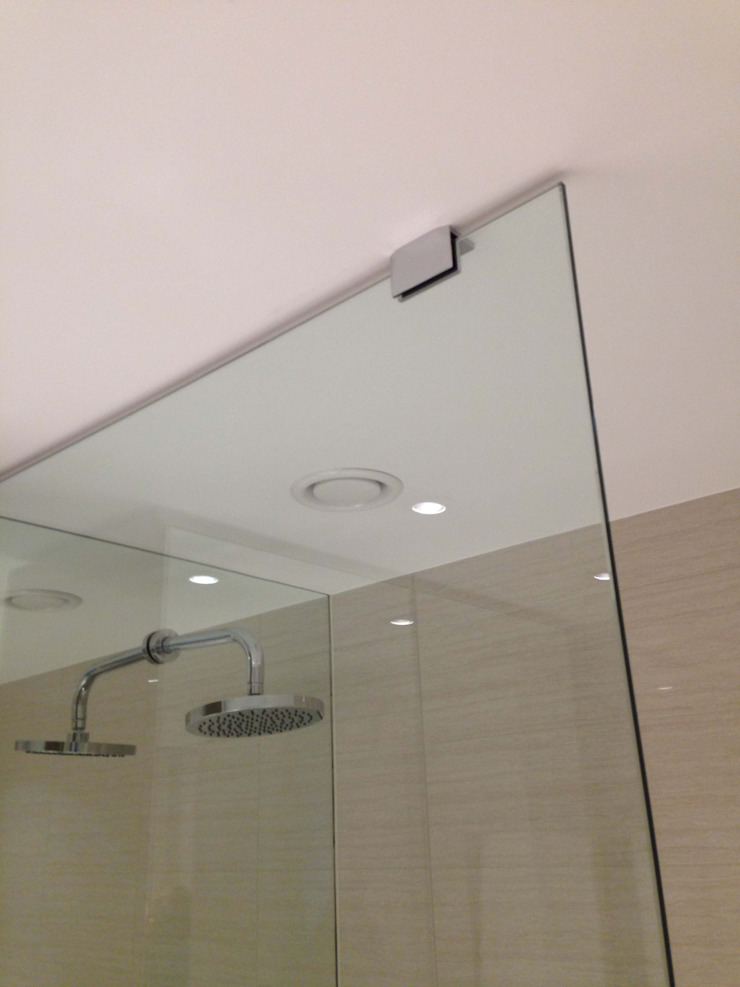 Shower Wall Mirror Cladding: modern  by bohdan.duha, Modern
