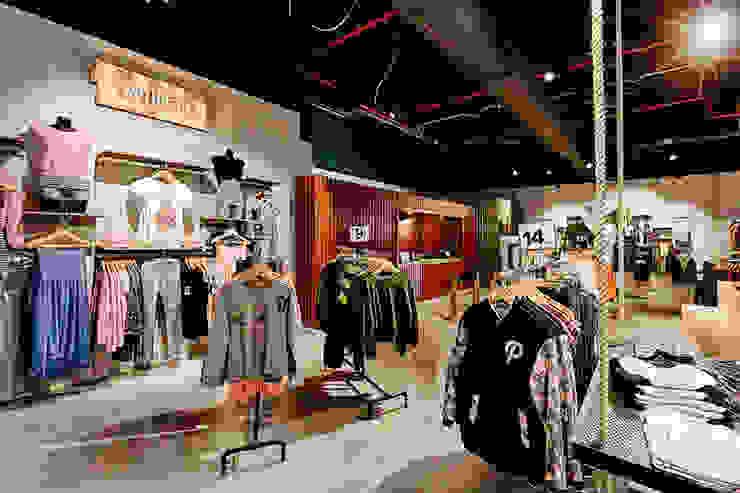Locaux commerciaux & Magasin par Piedra Papel Tijera Interiorismo
