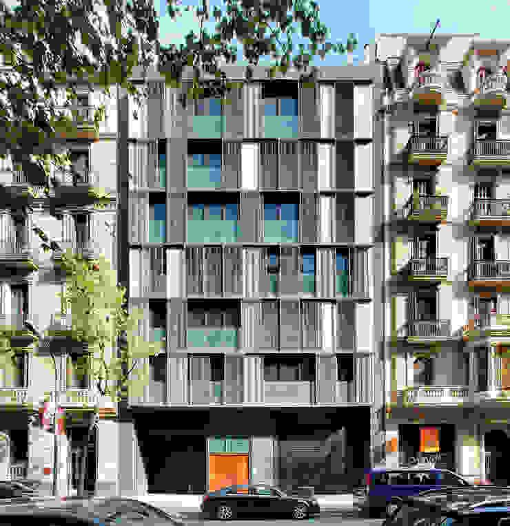 Viviendas de obra nueva Casas de estilo moderno de SANTI VIVES ARQUITECTURA EN BARCELONA Moderno