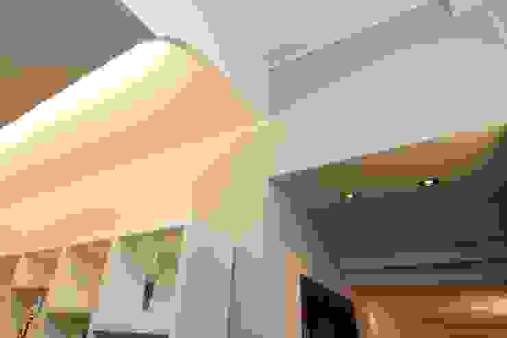 La <q>Faveur</q> Soggiorno moderno di Marco Maria Statella - Architect Moderno