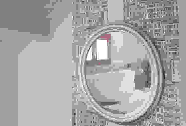 Attico in centro città Camera da letto moderna di Laura Marini Architetto Moderno