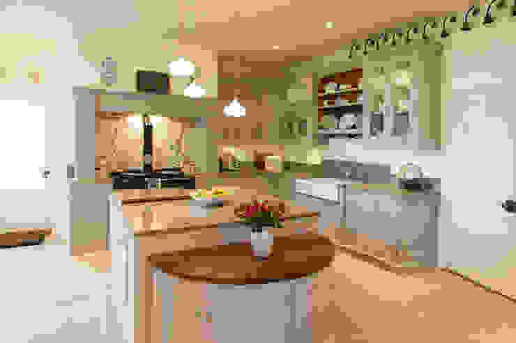 Bespoke kitchen : classic  by Baker & Baker , Classic