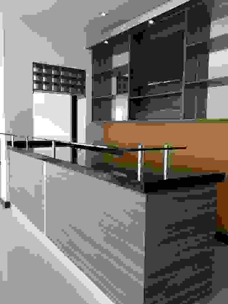BARRA TIPO BAR Cocinas modernas de BALDAI MOBILIARIO Moderno
