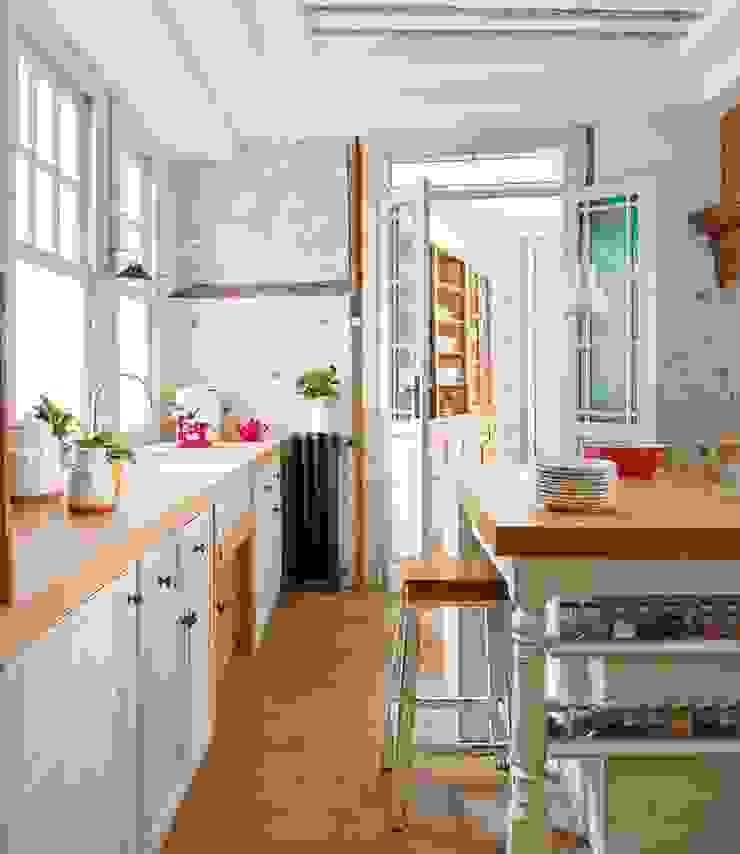 Reforma integral de vivienda Simetrika Rehabilitación Integral Cocinas de estilo ecléctico