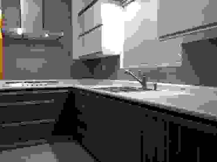 Moderne Küchen von BALDAI MOBILIARIO Modern