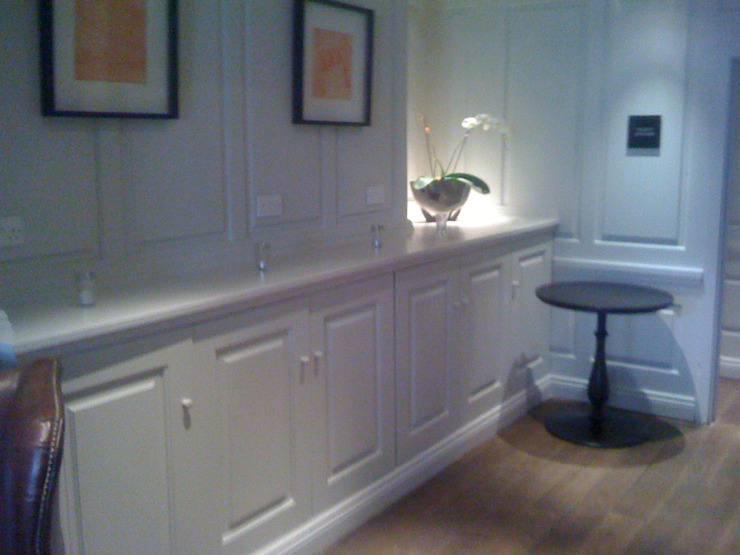 Halcyon Boutique Hotel Bath: classic  by The UK's Leading Wall Panelling Experts Team, Classic