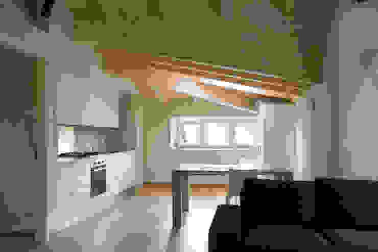 Villa Gheza Cucina moderna di Legnocamuna Case Moderno