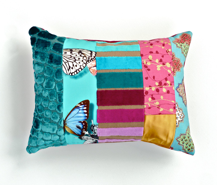 Rocco luxury patchwork cushion por Suzy Newton Ltd. Eclético