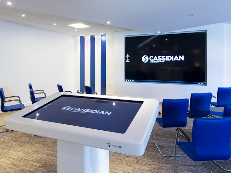 Giant Ipad for virtual presentations Modern offices & stores by Paramount Office Interiors Modern