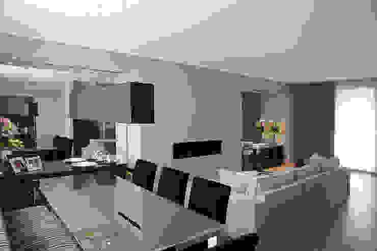 il Living Sala da pranzo moderna di STUDIO PAOLA FAVRETTO SAGL Moderno Ferro / Acciaio