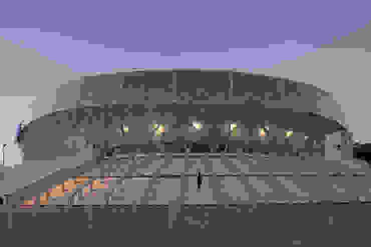 Entrée du stade Stades modernes par Wilmotte & Associés Moderne