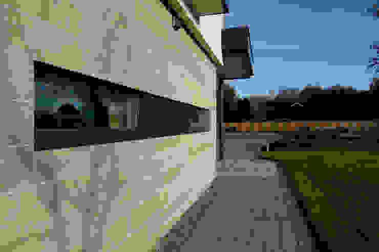 Dunmore : modern  by Somner Macdonald Architects, Modern