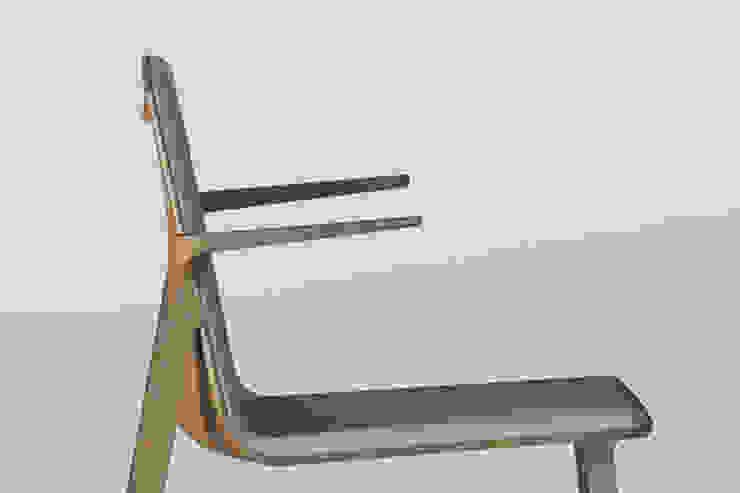 Peg Chair: La alta tecnología aplicada a la fabricación de sillas. de Alegre Design Escandinavo