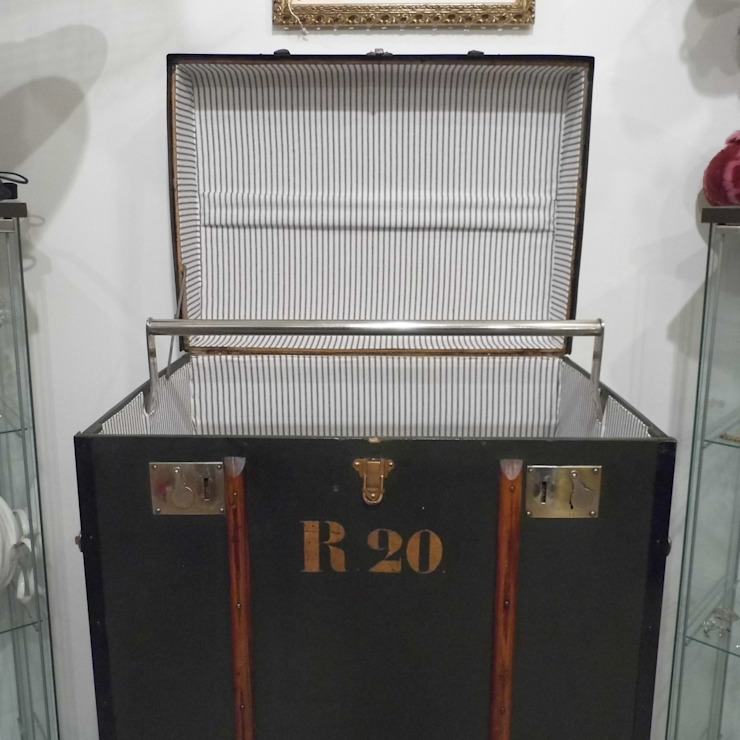 Vintage Steamer Trunk de Travers Antiques Clásico
