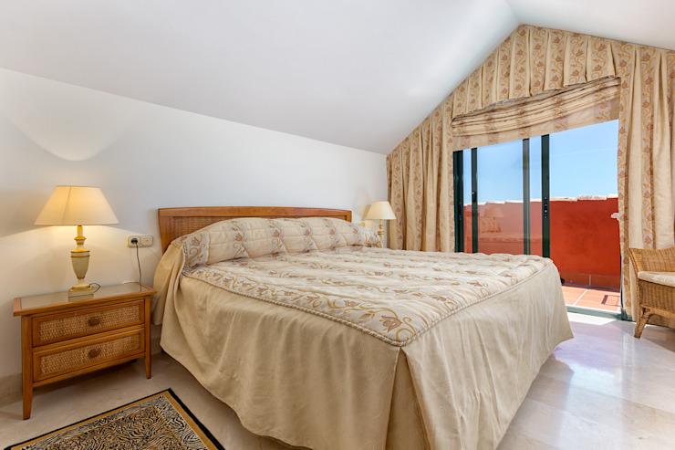 bedroom Casas de estilo mediterráneo de Espacios y Luz Fotografía Mediterráneo