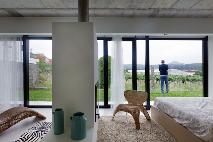 Minimal style window and door by Nan Arquitectos Minimalist