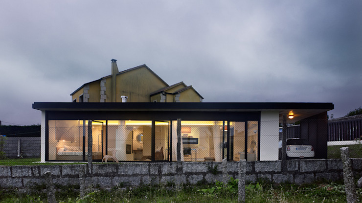 Houses by Nan Arquitectos,