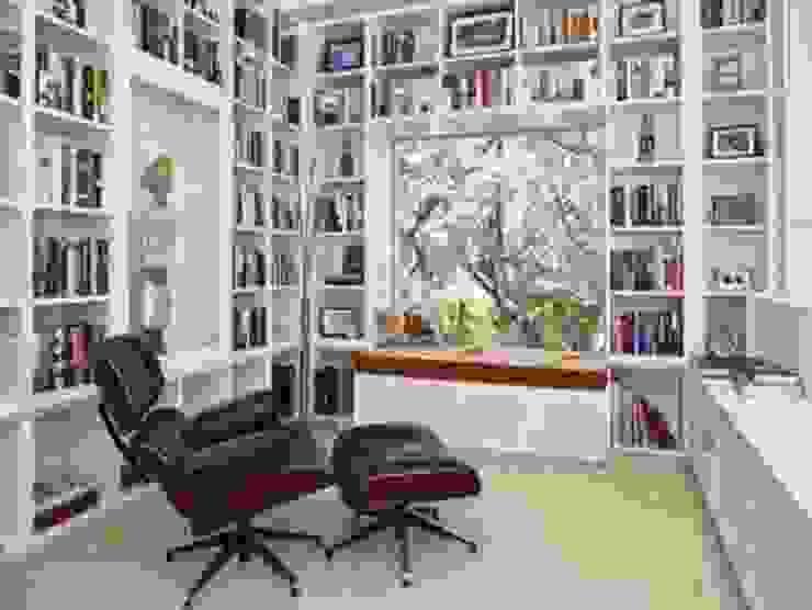 Salón de lectores Salones de estilo moderno de Ruben Moderno