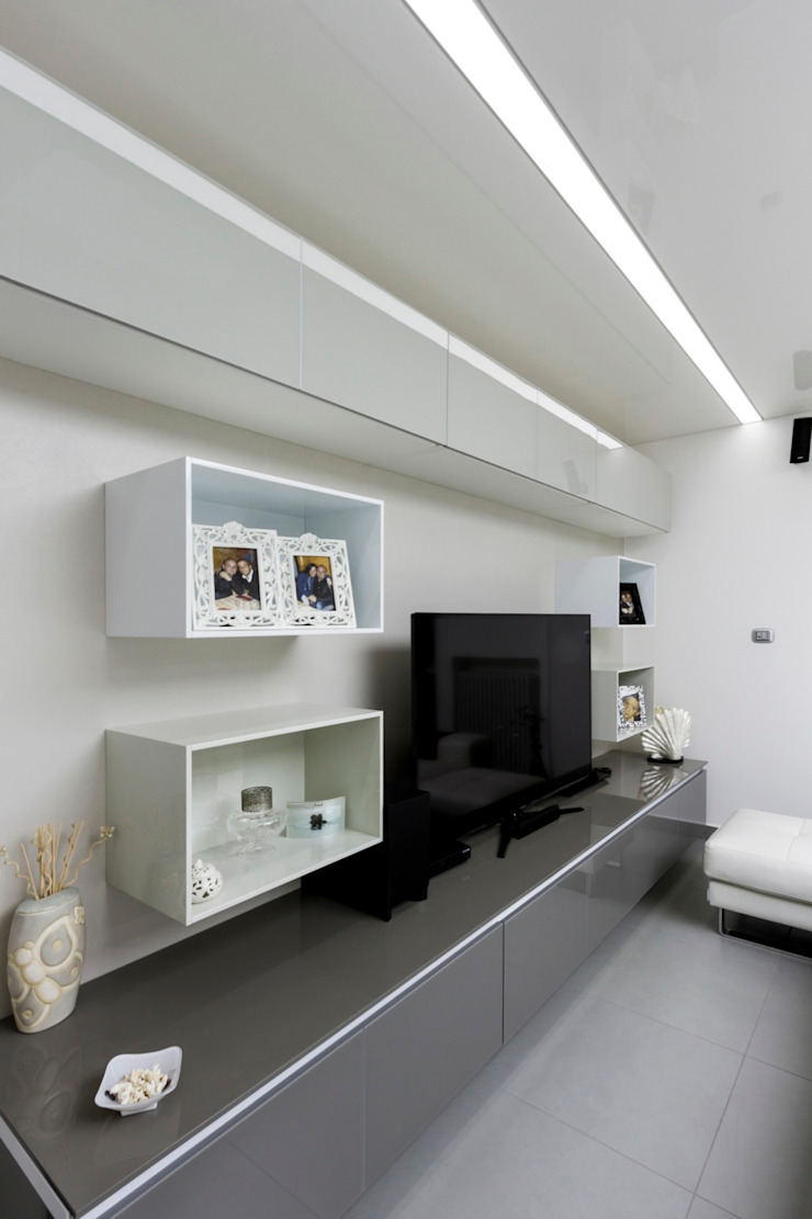 House G&R di GINO SPERA ARCHITETTO Moderno