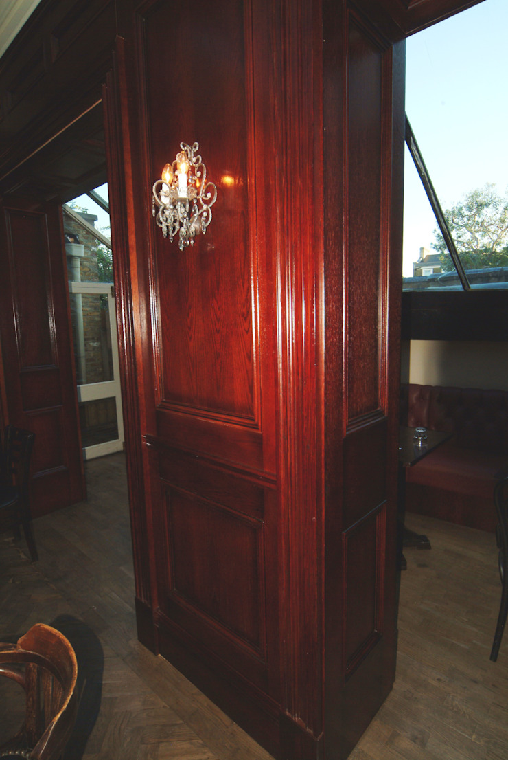 Hand & Flower Restraunt London: classic  by The UK's Leading Wall Panelling Experts Team, Classic