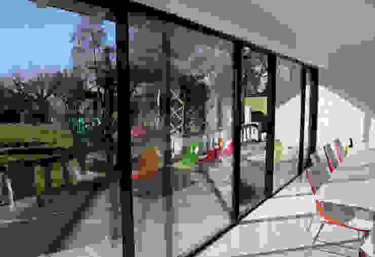 Burdon Lane Modern dining room by IQ Glass UK Modern