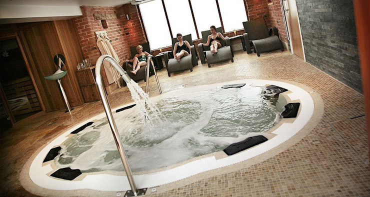 Spas for your home or commercial facility : modern  by Leisurequip Limited, Modern