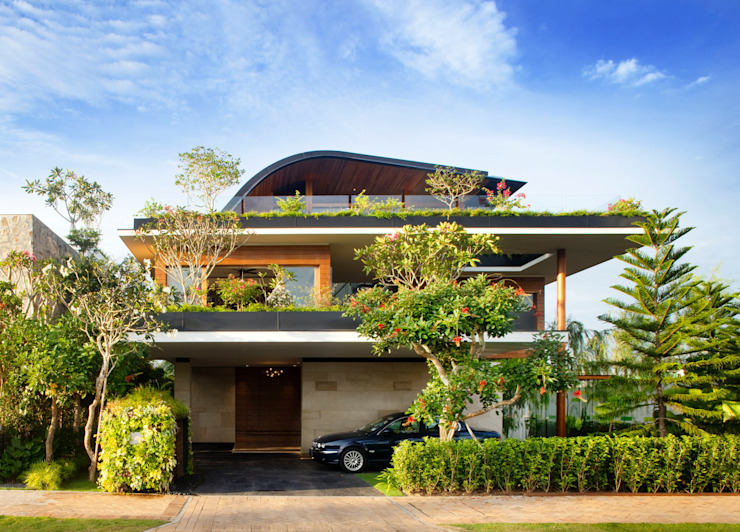MEERA SKY GARDEN HOUSE Modern houses by Guz Architects Modern