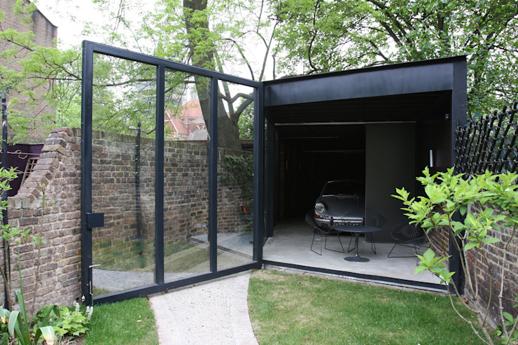 Garage/shed by IQ Glass UK, Modern