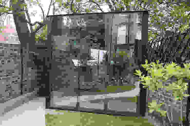 Canonbury Square Modern garage/shed by IQ Glass UK Modern