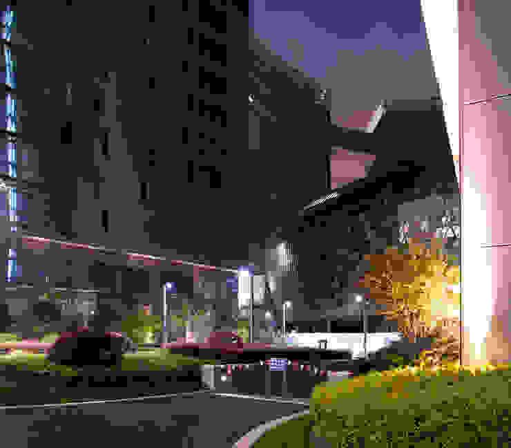 Centros de congressos modernos por Peter Ruge Architekten Moderno