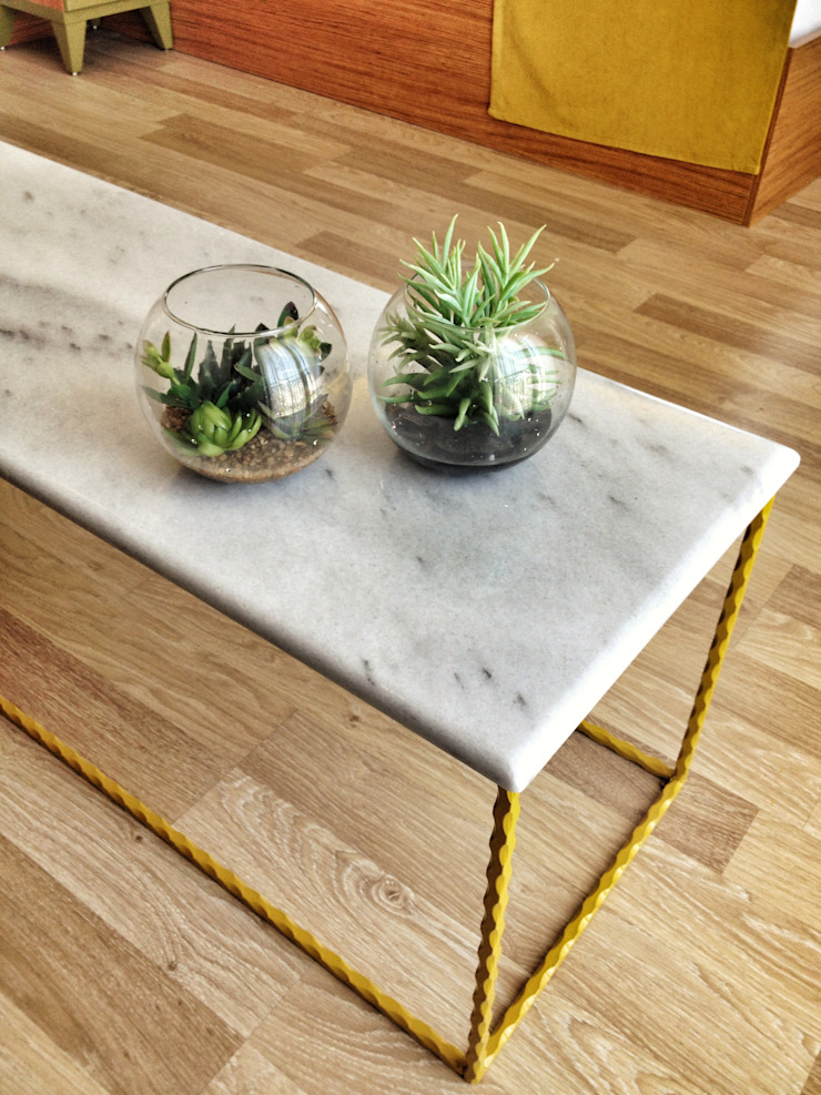 coffee table Eclectic style hotels by Aredeko Art & Design Eclectic