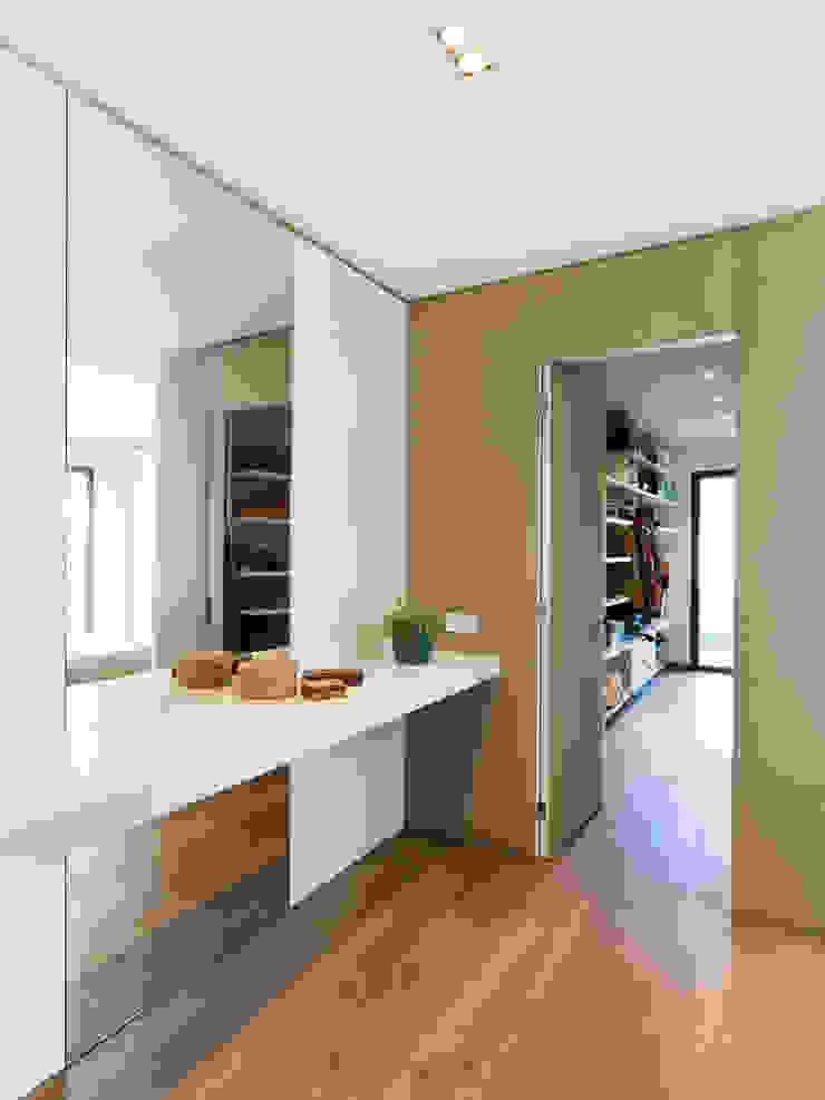 Moderne Ankleidezimmer von margarotger interiorisme Modern