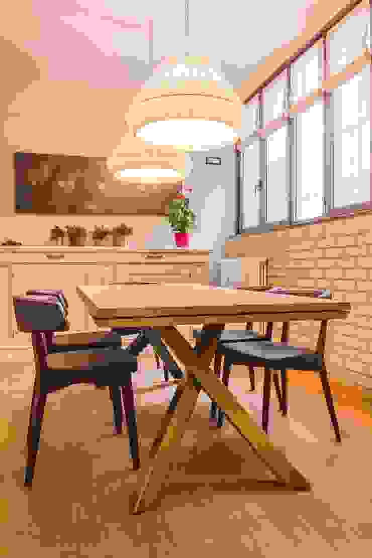 TRE PIANI DI ARMONIE Cucina eclettica di davide pavanello _ spazi forme segni visioni Eclettico