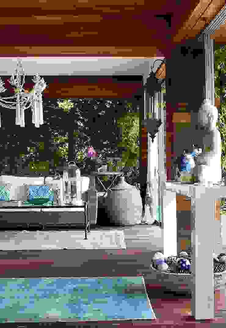 JSR WINTER GARDEN Mediterranean style garden by Esra Kazmirci Mimarlik Mediterranean