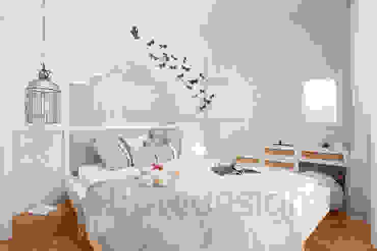 Görgülü Apartment/Akatlar Modern style bedroom by Pebbledesign / Çakıltașları Mimarlık Tasarım Modern