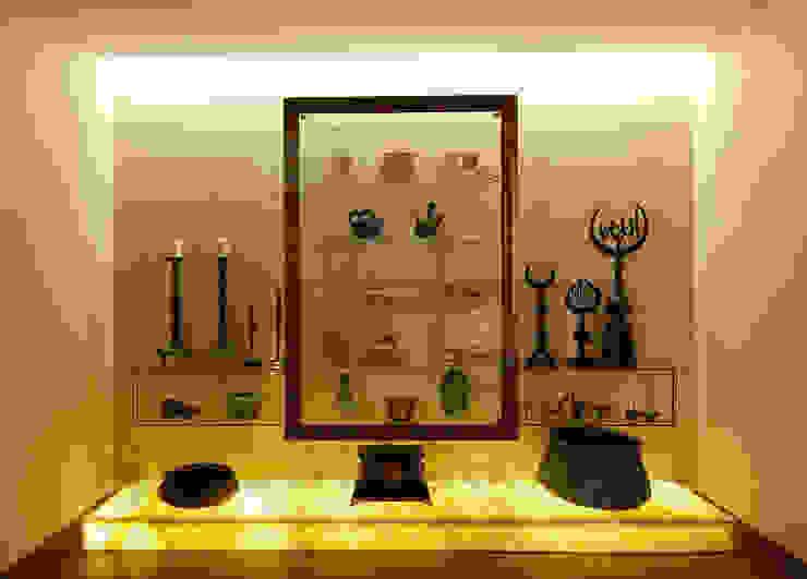 Müezzinoğlu Apartment/Selenium Panaroma Residence Classic style living room by Pebbledesign / Çakıltașları Mimarlık Tasarım Classic