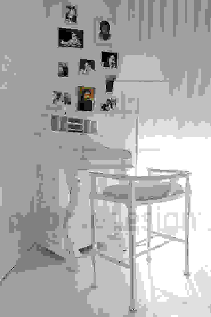Müezzinoğlu Apartment/Selenium Panaroma Residence Eclectic style bedroom by Pebbledesign / Çakıltașları Mimarlık Tasarım Eclectic