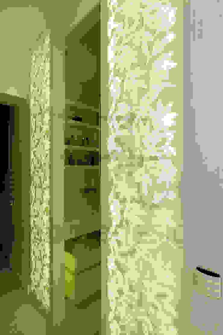 Müezzinoğlu Apartment/Selenium Panaroma Residence Modern bathroom by Pebbledesign / Çakıltașları Mimarlık Tasarım Modern
