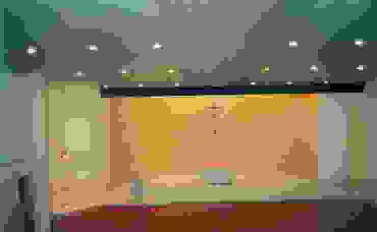 Interior design by RH-ARQUITECTOS