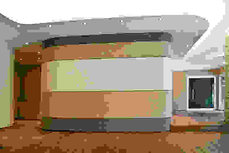 Soggiorno Soggiorno moderno di Studio 06 Moderno
