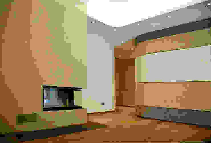 Zona Caminetto Soggiorno moderno di Studio 06 Moderno