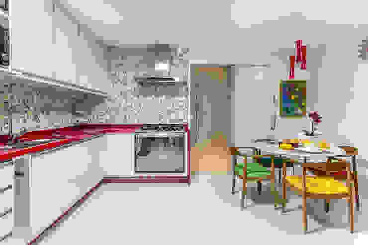 Residência Piatã I Cozinhas modernas por Milla Holtz & Bruno Sgrillo Arquitetura Moderno