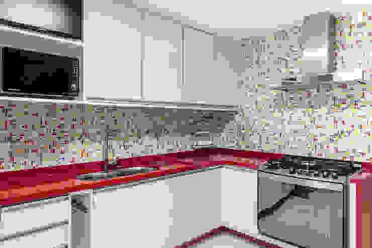 Cozinha Cozinhas modernas por Milla Holtz & Bruno Sgrillo Arquitetura Moderno