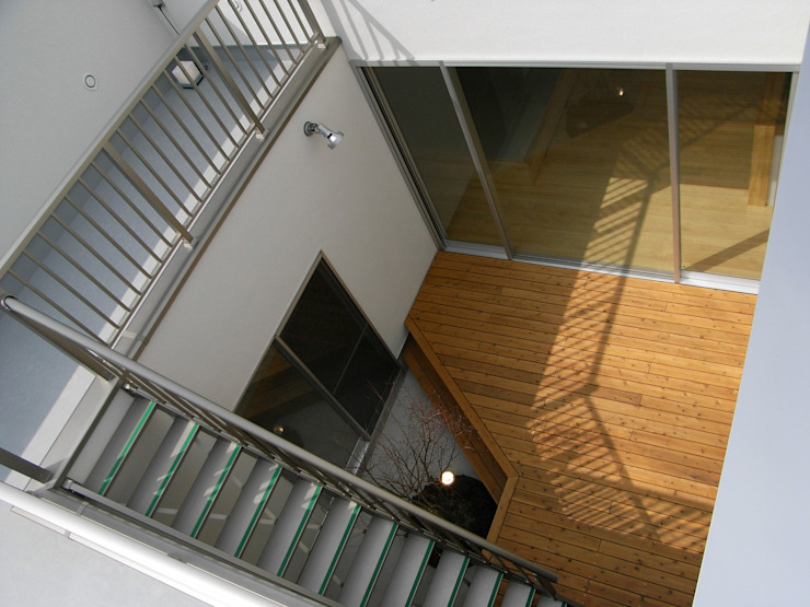 中 庭 オリジナルデザインの テラス の 松井設計 オリジナル
