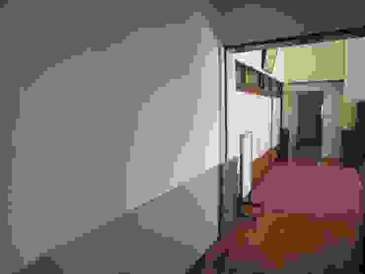 本堂南側西隅の壁AFTER の プライム建築設計 オリジナル