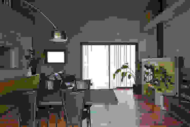 ハナミズキ通りの家 モダンデザインの リビング の 岩瀬アトリエ建築設計事務所 有限会社 モダン