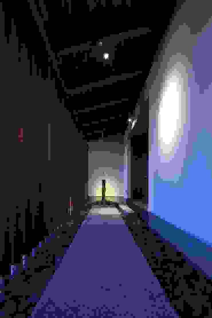 Casas asiáticas por 髙岡建築研究室 Asiático