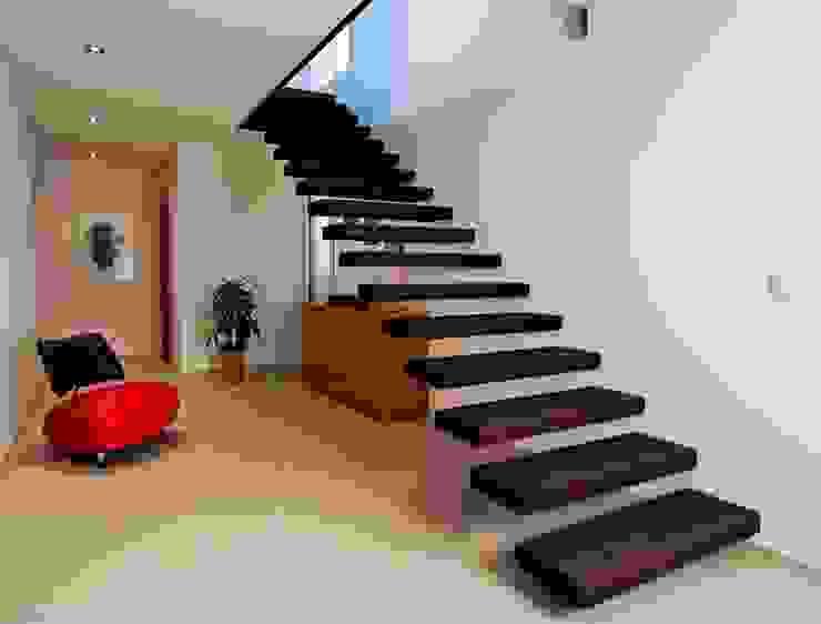 Escalier marche en porte à faux par Passion Escaliers Moderne
